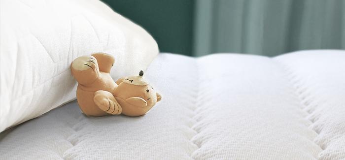 Matratze mit Teddybär